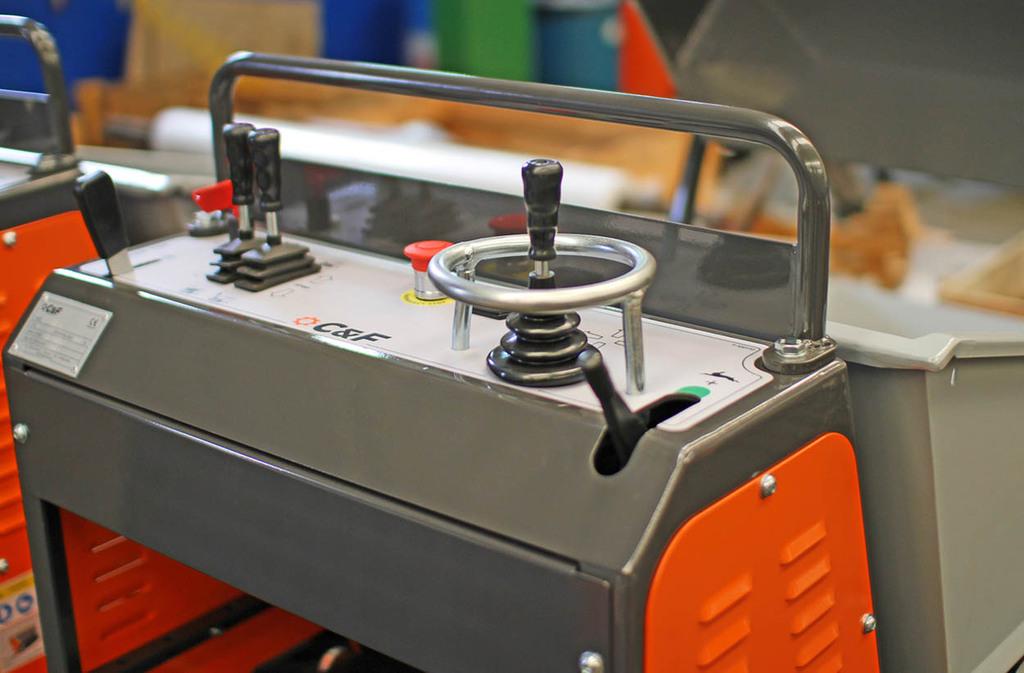traker-11.jpg